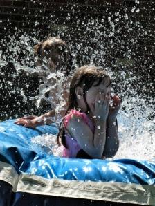summer_kids_swimming
